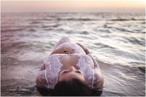 Beach Maternity Posing | Spokane Photographer